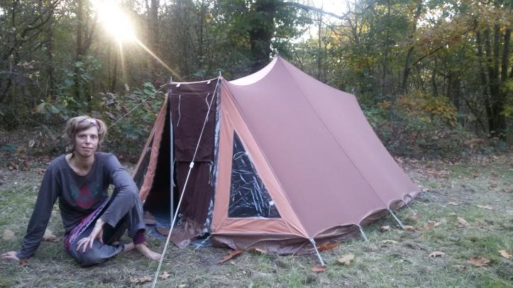 laura en tent1